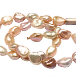 Perlencollier mit Bajonetteverschluss