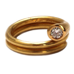 Ring in Gold mit Diamant